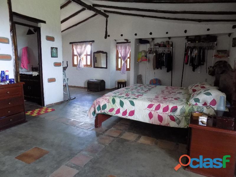 Casa en venta estilo cabaña, Loma de La Virgen 11