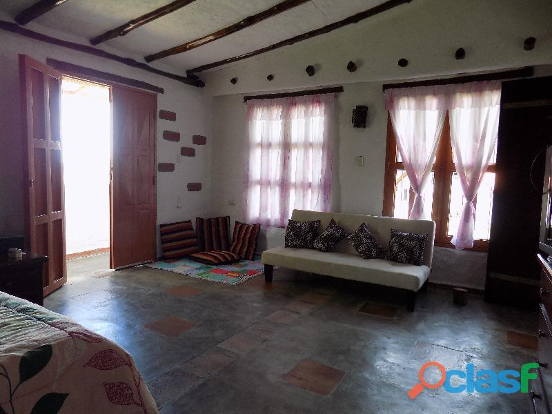 Casa en venta estilo cabaña, Loma de La Virgen 13