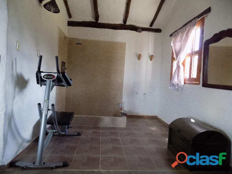 Casa en venta estilo cabaña, Loma de La Virgen 14