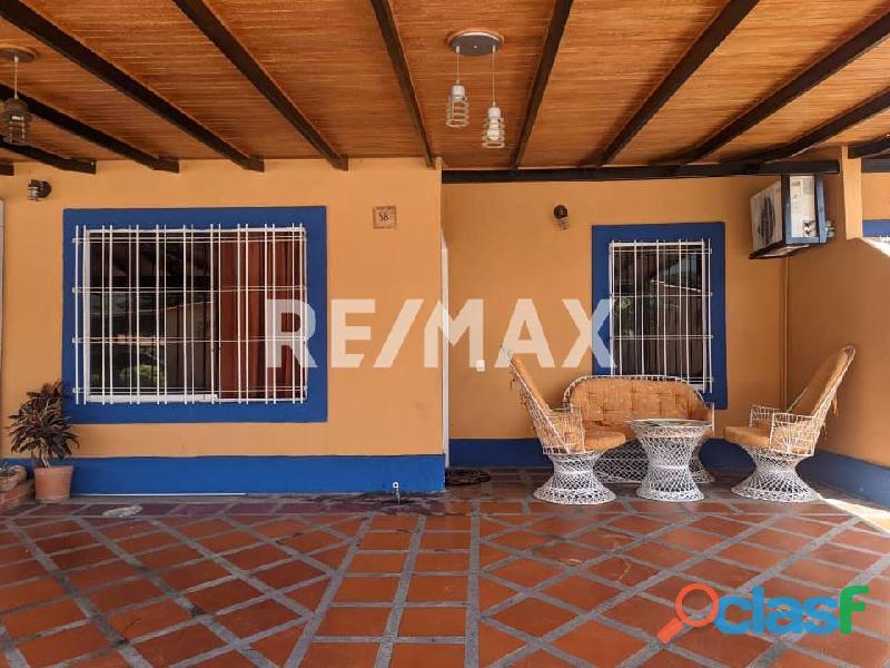 REMAX/PARTNERS Vende Casa en el Conj. Res. Los Budares   Valle de Oro, San Diego