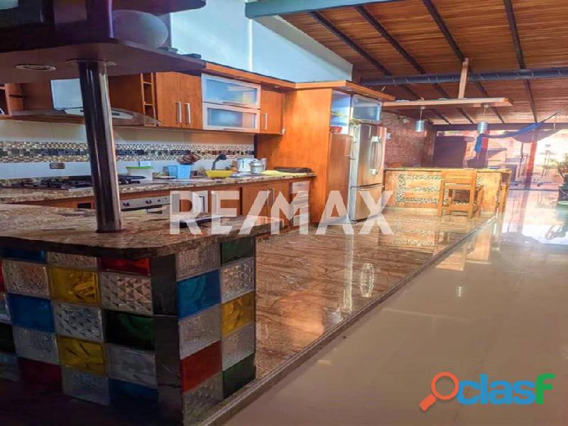 REMAX/PARTNERS Vende Casa en el Conj. Res. Los Budares   Valle de Oro, San Diego 6