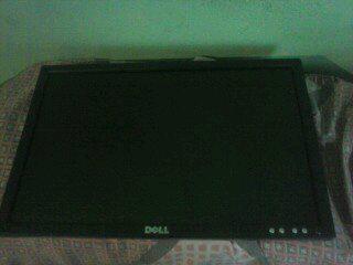 Se vende monitor pantalla plana marca dell 100% funcional.