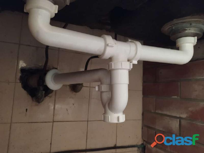 Plomeria reparacion de tuberias bombas de agua griferias cañerias fugas de aguas inundaciones tuberi