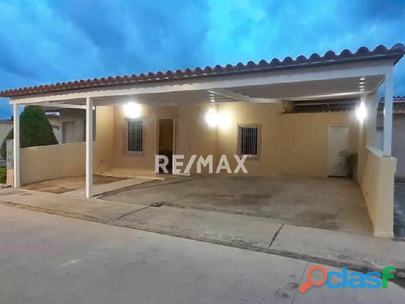 Re/max partners vende casa en el conjunto residencial brisas del lago, ciudad alianza, guacara