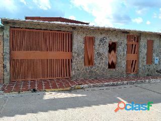 Casa remodelada en El Prado. Guacara