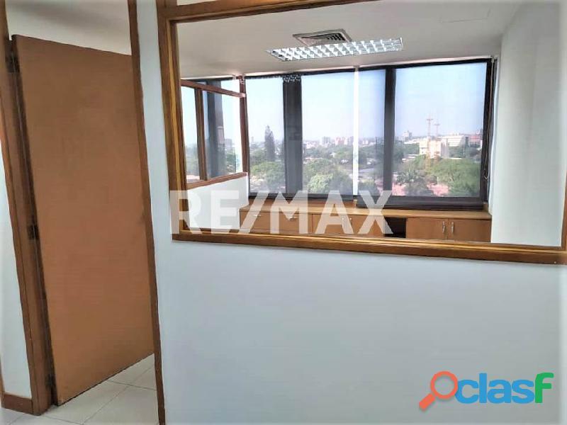 RE/MAX PARTNERS Vende Oficina en el C. C. Lomas del Este, Valencia 7