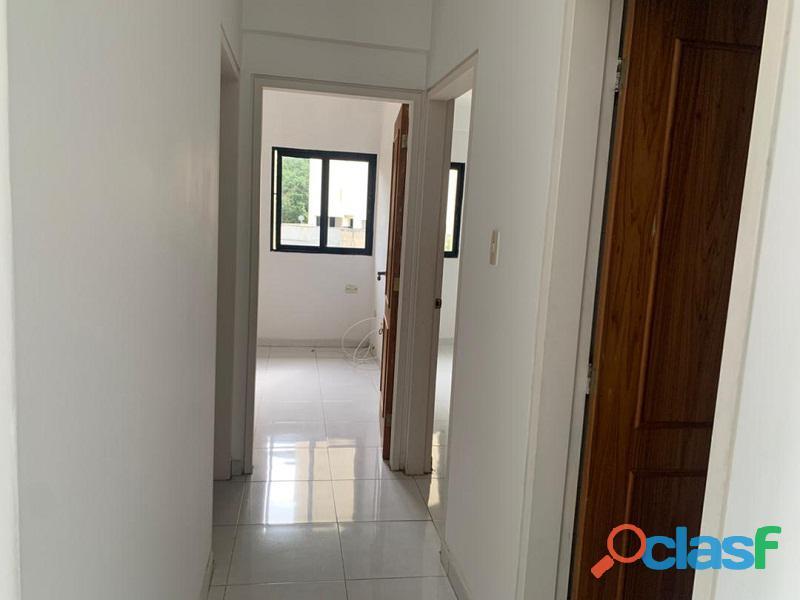 Apartamento en venta en El Parral, Valencia, Carabobo, RR21 04 9