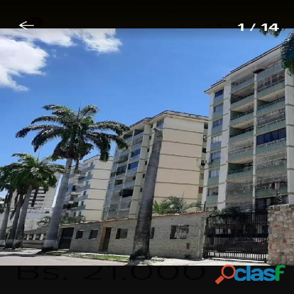 Super penthouse en zona exclusiva de valencia cerca de av bolivar
