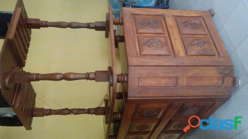 Bar grande de madera Caoba.