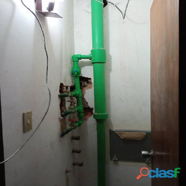 plomeris guevara servicios de sustitucion de tuberuias griferias filtraciones botes de aguas inundac